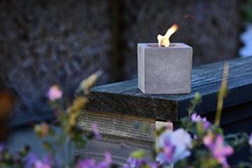 Beske-Betonfeuer mit 'Dauerdocht' | Größe 10x10x10 cm | Wiederbefüllbare Gartenfackel | 'Unendliche' Brenndauer durch umweltfreundliches Recycling von Kerzenwachs - 3