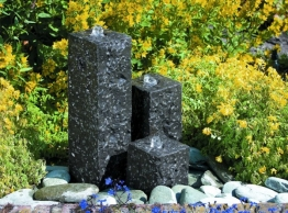Ubbink AcquaArte Modena Granitsäulen Gartenbrunnen Set LED Springbrunnen