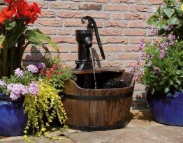 Ubbink AcquaArte Newcastle Gartenbrunnen Set Springbrunnen Holzfass